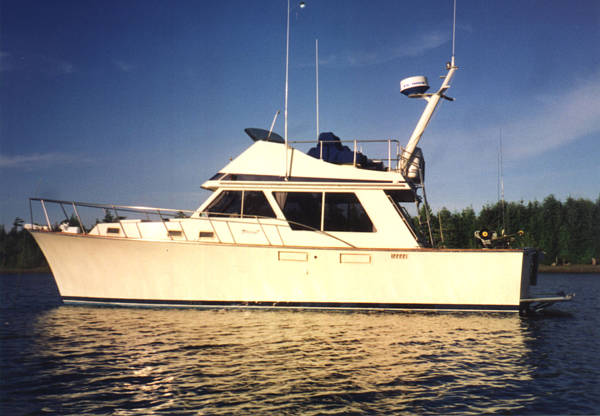 Built in Kelso Washington by the Tollycraft Yacht Corporation.